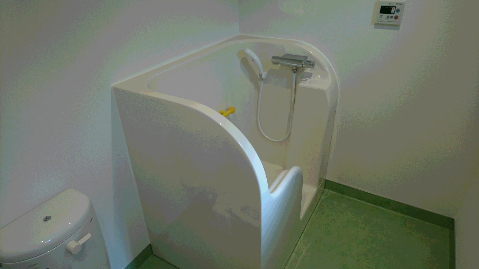 療育室に設置されている幼児用シャワー