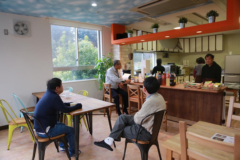 利用者さんの憩いの場のカフェ。